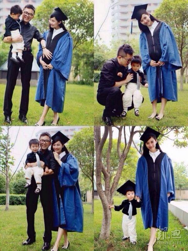 女硕士抱儿子怀女儿拍毕业照
