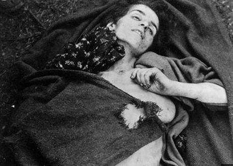 纳粹杀犹太女人图片