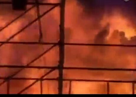 台湾乐园爆炸现场视频全过程:火海哀嚎如人间