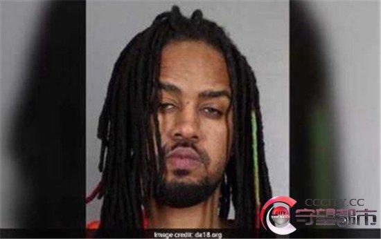 31岁的布罗克·富兰克林(BrockFranklin)因组织针对年轻女孩和女性的卖淫团伙而被判处472年监禁。这个卖淫团伙有7名成员,其中四人均已被判刑。据福克斯报道,富兰克林被判30项罪名成立,其中包括贩卖人口、性剥削儿童、教唆儿童卖淫等罪名。