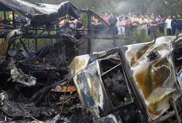 吉林2辆货车相撞18人死亡 惨烈交通事故(图)
